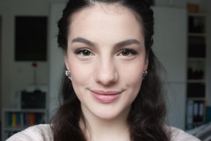 Annika Hähnlein Frühlings Make-up rosa Mönchengladbach